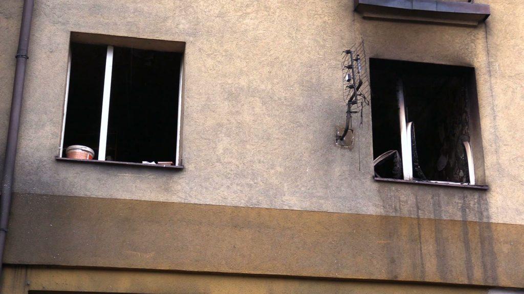 Zwęglone zwłoki znaleziono w Czeladzi w jednym z mieszkań w trzypiętrowym budynku