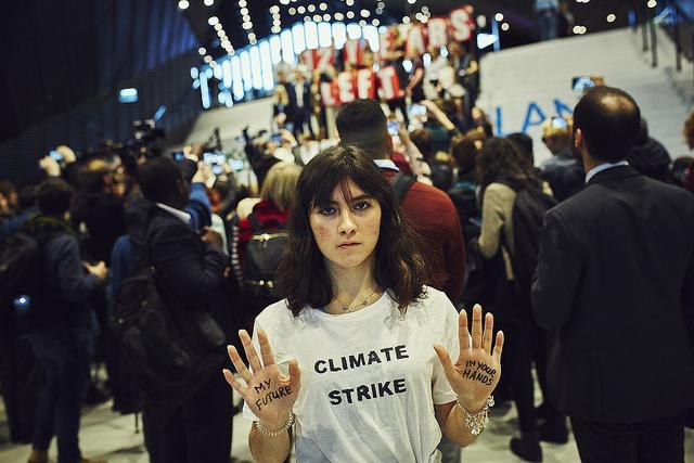 W piątek 14 grudnia dzięki wezwaniu nastoletniej aktywistki klimatycznej Grety Thunberg, młodzi ludzie na całym świecie wzięli udział w strajku dla klimatu