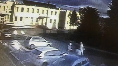 Jasienica: samochód sam się przeparkował. Mieszkanka myślała, że ktoś próbował go ukraść [WIDEO]