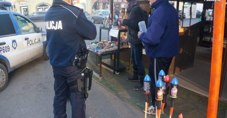 Przedświąteczne kontrole na targowiskach (fot.KPP Pszczyna)