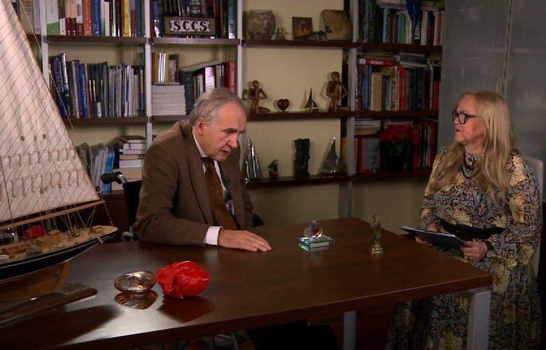 Role się zmieniają, tak jak czasem zmienia się życie - mówi prof. Marian Zembala w szczerym wywiadzie dla programu Kierunek Zdrowie w TVS.