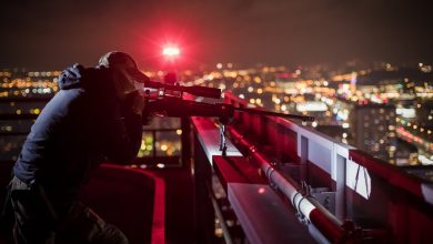 Snajperzy na dachach najwyższych budynków w centrum Katowic. To część zabezpieczenia Szczytu Klimatycznego (fot. KWP Katowice)