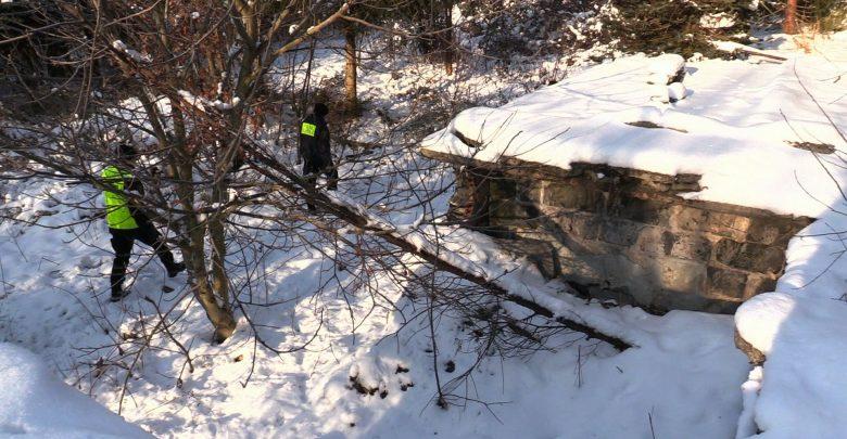 Zabrze: 73-latek ofiarą mrozów. Pijany zamarzł przy bramie w kamienicy
