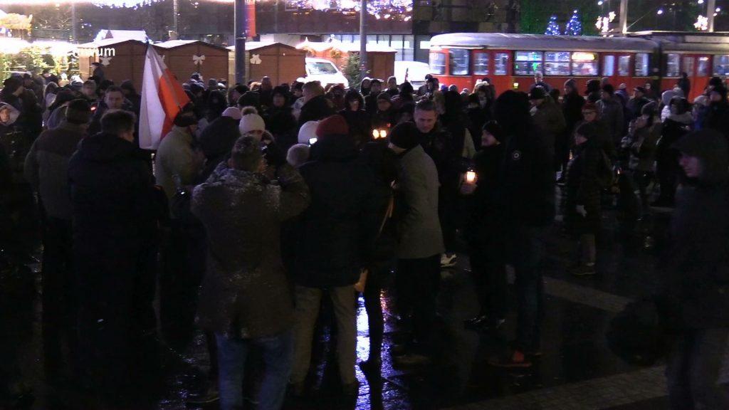 Nie milkną echa po niedzielnej tragedii w Gdańsku. Wczoraj prezydenta Gdańska żegnały Katowice i Sosnowiec