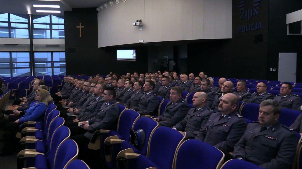 Śląska policja zapowiada walkę z kibolami i nielegalnymi odpadami