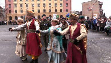 Zabrze: Kilkuset maturzystów zatańczyło Poloneza z Zespołem Śląsk! W Rudzie Śląskiej też wielkie tańczenie