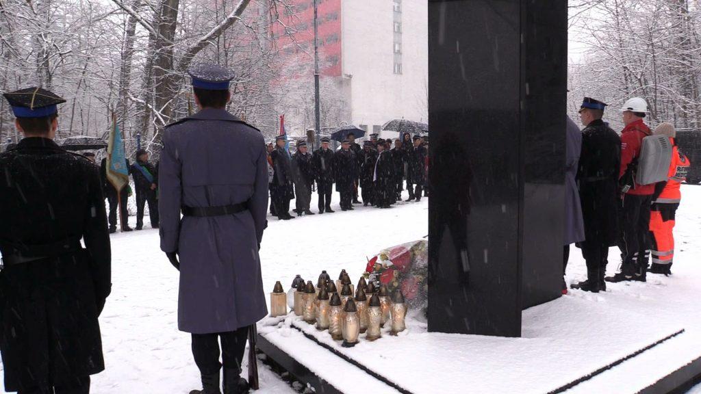 To już 13 lat. Dzisiaj kolejna rocznica tragedii MTK. Pod gruzami zginęło 65 osób