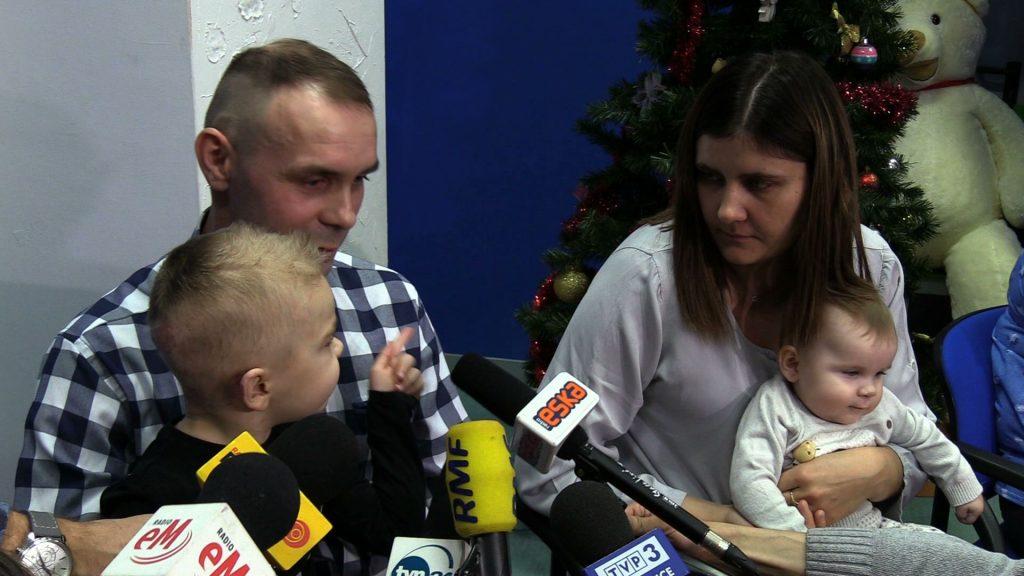 W połowie sierpnia w Rybniku doszło do zapalenia się samochodu osobowego, w którego wnętrzu znajdowało się 3-letnie dziecko. Chłopiec doznał poważnych obrażeń