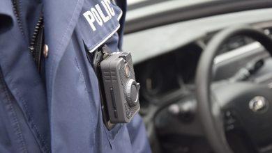 Już nic nie umknie ich uwadze. Policjanci wyposażeni w kamery na mundurach (fot. policja.pl)