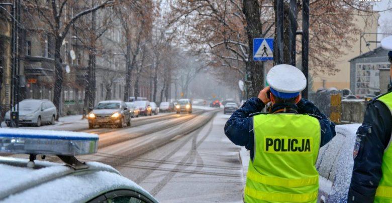 Jutro obława policji na kierowców, którzy rozmawiają przez telefon