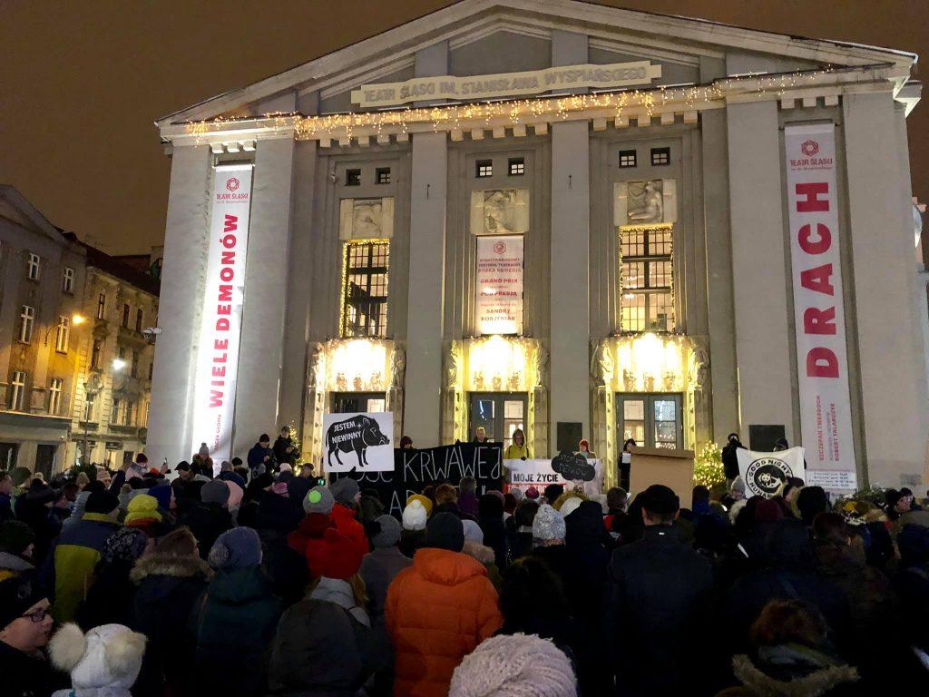 Stop rzezi dzików! Protest w Katowicach przeciwko masowemu odstrzałowi dzików (zdjęcia: Platforma Obywatelska Region Śląski/facebook)