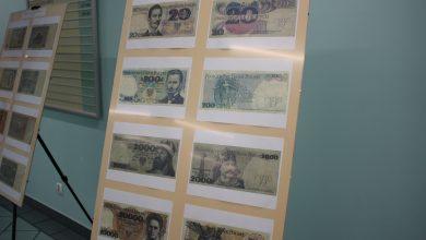 Banknoty polskie oraz zagraniczne można podziwiać na wystawie na pierwszym piętrze rudzkiego magistratu (fot.UM Ruda Śląska)