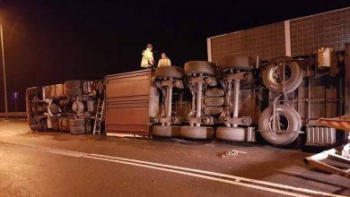 Mszana: Szok! Pijany kierowca wywrócił samochód ciężarowy [ZDJĘCIA]
