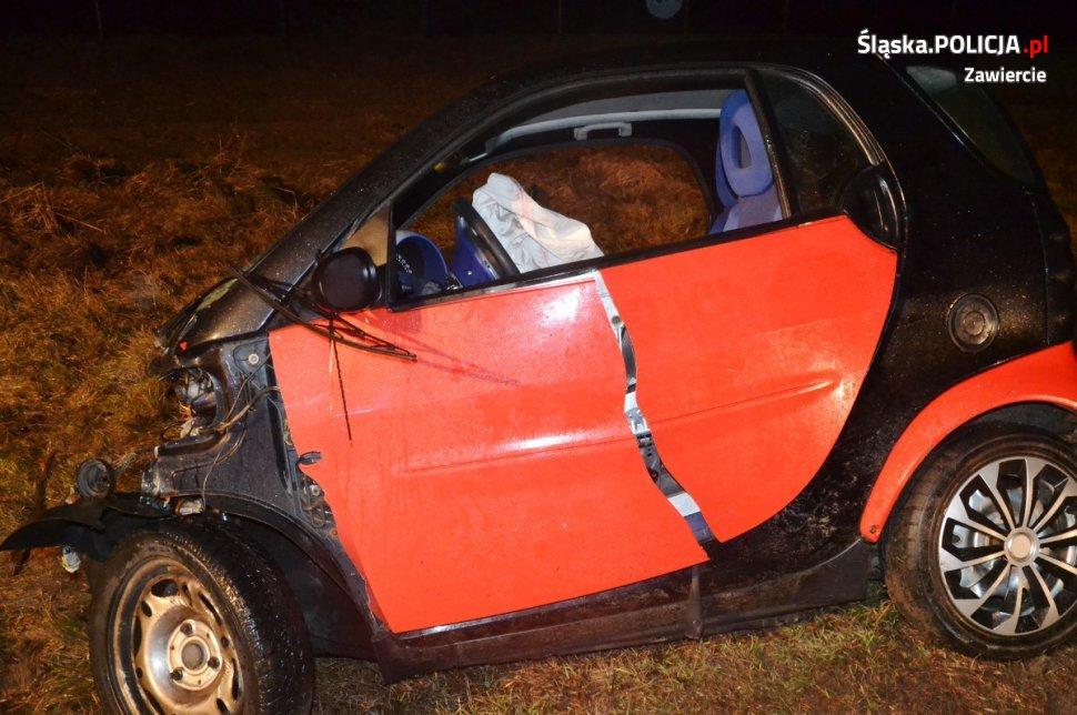 Groźny wypadek w Gołuchowicach [ZDJĘCIA] Pijany kierowca smarta zderzył się z tirem (fot. KMP Zawiercie)