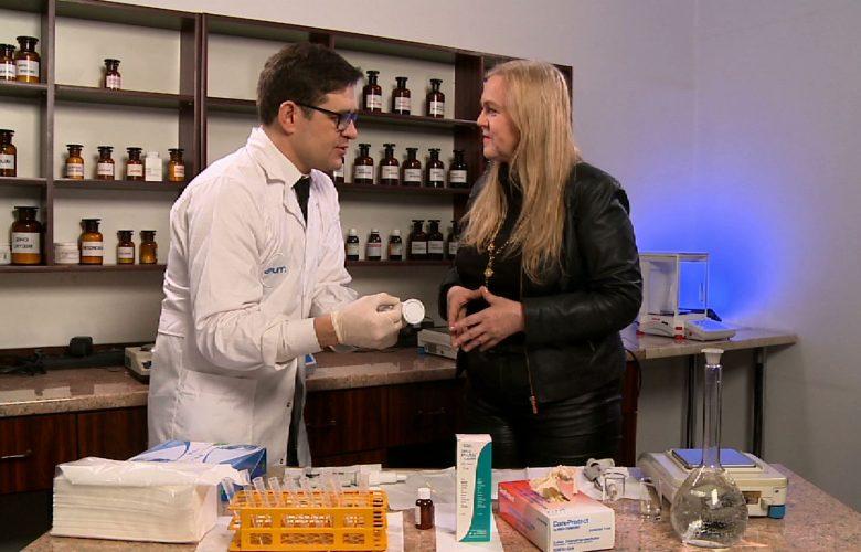 """Czy witamina C wyleczy nas z przeziębienia. Czy jest cudownym lekiem na raka? W programie """"Kierunek zdrowie"""" TVS fakty i mity o witaminie C."""