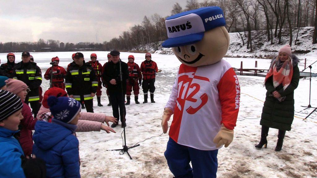 Były już Mysłowice, był Chorzów, czas na Katowice. W dzielnicy Szopienice straż pożarna zorganizowała specjalny pokaz ratownictwa lodowego