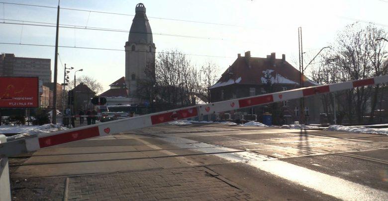 Śląskie: Statystyki przerażają! Coraz więcej wypadków na przejazdach kolejowych!