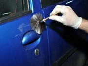 Zmasakrował trzy samochody obcinaczką do paznokci (fot. KSP)