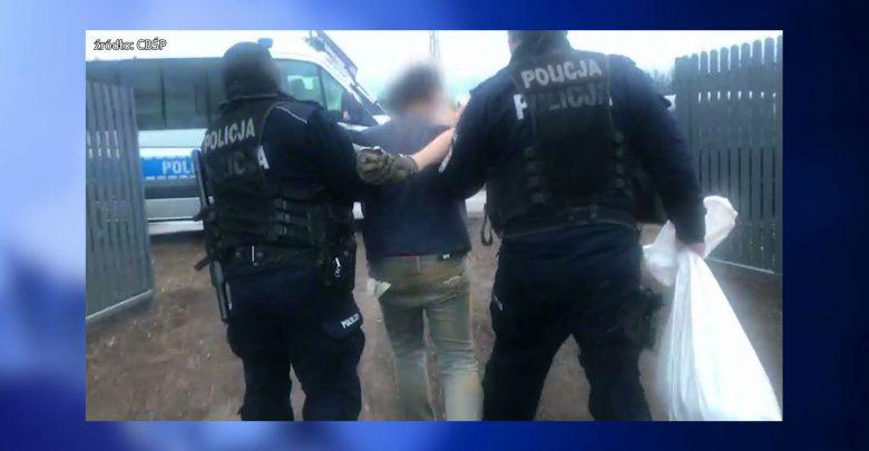 Śląskie: Tony tytoniu i fabryka lewych fajek! Zobaczcie, co odkryli policjanci w czasie akcji!