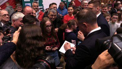Andrzej Duda na Śląsku. Prezydent odwiedził komandosów w Lublińcu i spotkał się z mieszkańcami