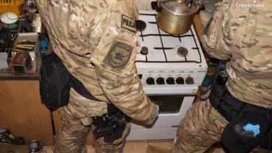 Śląskie: Chciał podłożyć bomby w urzędach państwowych! W domu miał cały arsenał! [ZDJĘCIA] (fot. KMP Częstochowa)