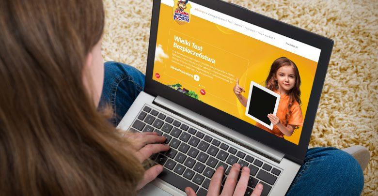 Jak zadbać o bezpieczeństwo dzieci w Internecie? Poznaj porady ekspertów (fot.mat.prasowe/prhub.eu)