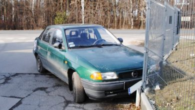 Pijany kierowca Opla wjechał w Zawierciu w ogrodzenie. Miał prawie 3 promile (KPP Zawiercie)