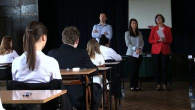 Śląskie: W razie strajku nauczycieli do szkół wrócą emeryci? Kuratorium sprawdza taką możliwość!