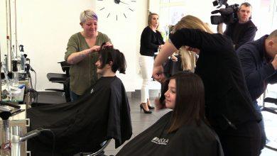 """Chorzów: Ścięły włosy w Dzień Kobiet, czyli akcja """"Daj włos! Dziewczyny dla dziewczyn"""""""