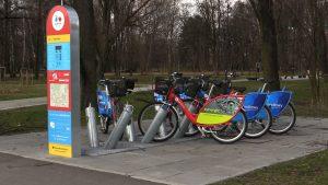 Nadchodzą zmiany w sposobie korzystanie z wypożyczalni miejskich rowerów. Wypożyczając rower w jednej gminie bez problemu będzie można oddać go w innej