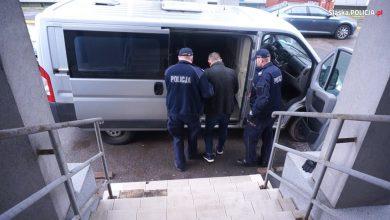 """Czy na karuzeli da się zarobić 5 milionów złotych? Tak, pod warunkiem że to """"karuzela VAT-owska"""". Taką właśnie """"zatrzymała"""" śląska policja (fot.policja)"""