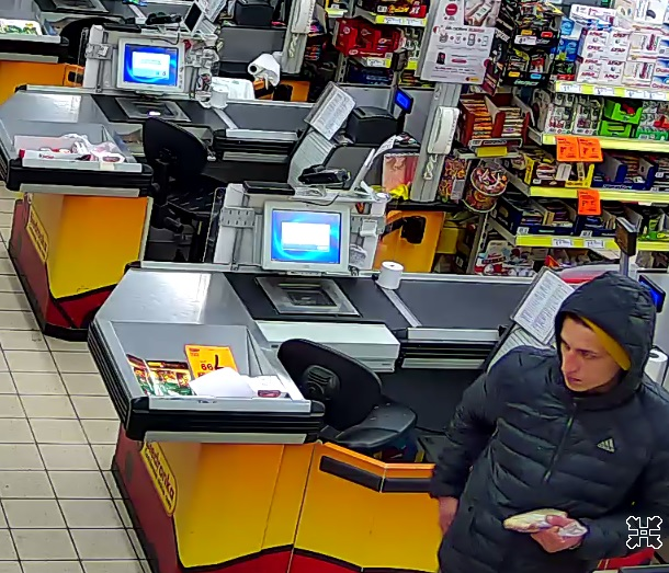 Czechowice-Dziedzice: Rozpoznajecie tego złodzieja? [ZDJĘCIA] Policja prosi o pomoc (fot.KMP Bielsko-Biała)