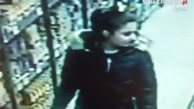 Bezczelna kradzież w sklepie! Poznajesz złodziejkę? Zobacz wideo!