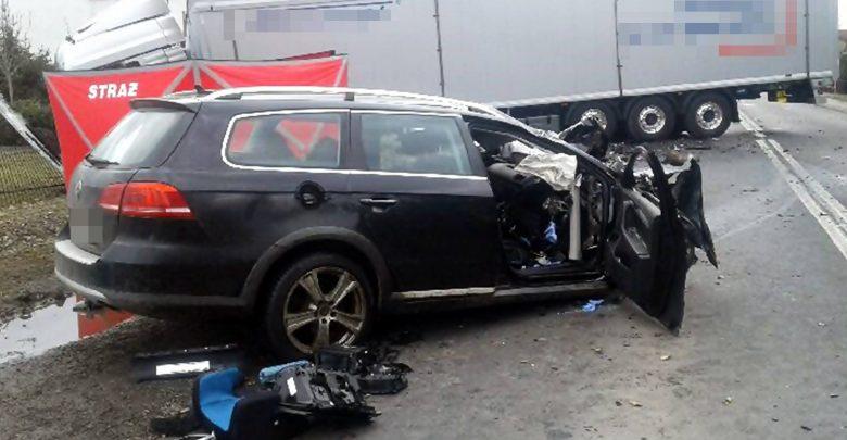 Śmiertelny wypadek w Chełmie Śląskim miał miejsce w poniedziałek 18 marca ok. godziny 10.20 na ulicy Chełmskiej, czyli fragmencie DW 934 (www.112tychy.pl)