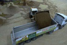 """W programie """"Polskie znaczy dobre"""" odwiedzamy rodzinną grupę firm Żwir-Trans, wiodącą w regionie wytwórnią betonu towarowego oraz prefabrykatów takich, jak bloczki betonowe czy też płyty drogowe"""