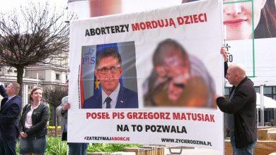 """Antyaborcyjna pikieta w Katowicach. """"Gwałt dopiero po procesie"""""""