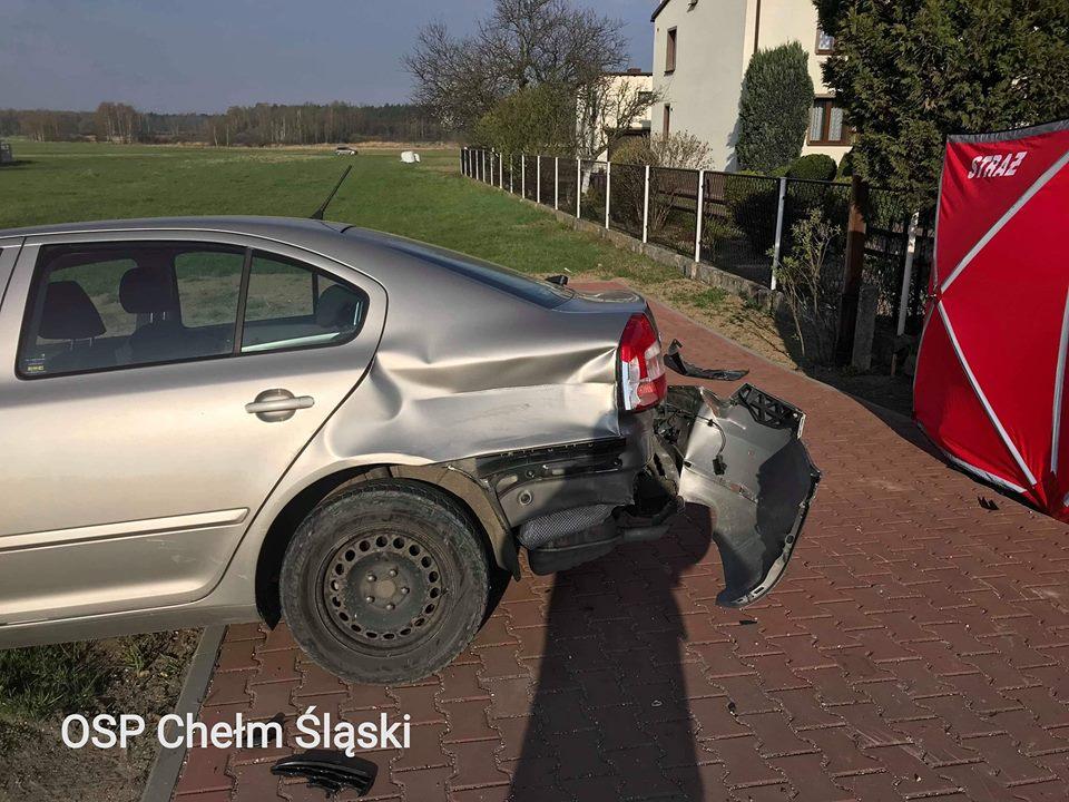 Śmiertelny wypadek w Chełmie Śląskim! W zderzeniu trzech aut zginął kierowca BMW fot.www.112tychy.pl/OSP Chełm Śląski