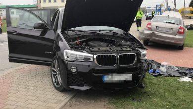 Tragiczny w skutkach wypadek w Chełmie Śląskim. W zderzeniu trzech samochodów na DW 934, zginął kierowca BMW fot.www.112tychy.pl/OSP Chełm Śląski