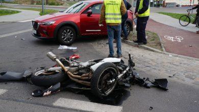 Groźny wypadek w Chorzowie! Motocykl zderzył się z osobówką! [ZDJĘCIA]