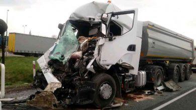 Śląskie: Zderzenie ciężarówek w Koziegłowach [ZDJĘCIA] Lądował śmigłowiec LPR (fot.Śląska Policja)