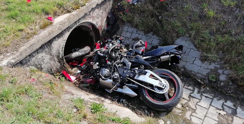 Tragiczny wypadek na DK 1 w Poczesnej! Mężczyzna wjechał do rowu