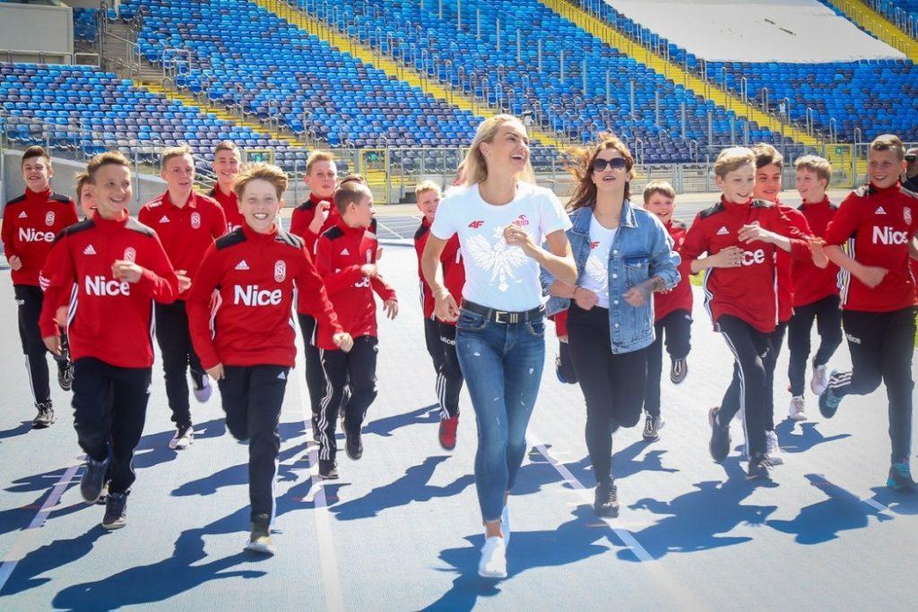 Ambasadorkami Stadionu Śląskiego zostały Justyna Święty-Ersetic i Ewa Swoboda (fot.slaskie.pl)