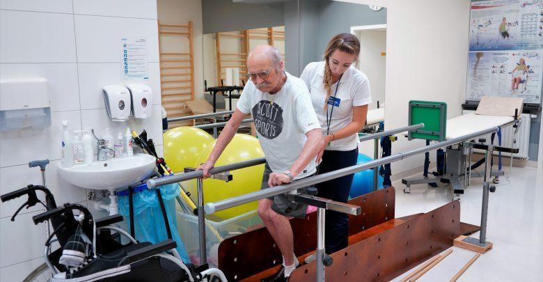 Współcześnie istnieje coraz więcej technik rehabilitacji umożliwiających chorym stosunkowo szybki powrót do sprawności po wypadku komunikacyjnym, urazie czy udarze
