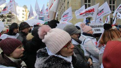 """Nie akceptują takiego porozumienia. Związkowcy """"Solidarności"""" w Katowicach domagają się dymisji Proksy"""