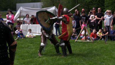 W Warowni Pszczyńskich Rycerzy odbyła się impreza nie tylko dla miłośników historii, ale i dla całych rodzin. Rycerska Majówka w Pszczynie
