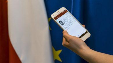 Na eurowybory zabierz długopis i smartfon z aplikacją mObywatel. To wystarczy (fot.MInisterstwo Cyfryzacji)