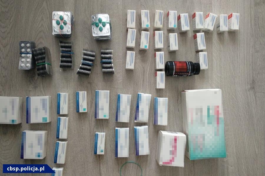 Produkcja i fałszowanie leków. CBŚP zatrzymało 7 osób (fot.policja.pl)