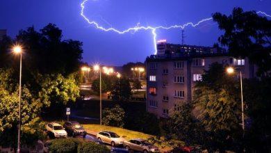 Burza może być bardzo niebezpieczna! Jak zachować się podczas burzy? [PORADNIK]