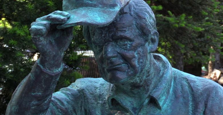 Bezdomny Włodek z Jaworzna ma swój pomnik [WIDEO] Za co go lubiano? (fot.mat.TVS)