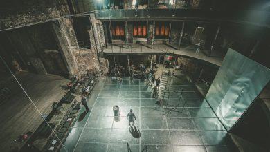 """""""Miasto we krwi"""" według kronik królewskich Wiliama Szekspira, a w reżyserii Jacka Głomba powstaje w zapierającej dech scenerii ruin spalonego teatru w Gliwicach (fot.Teatr Miejski w Gliwicach)"""
